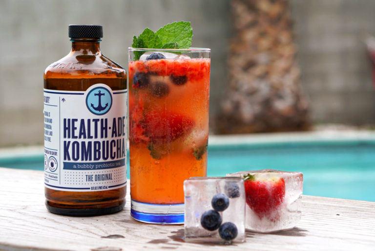 berry spritzer kombucha cocktail