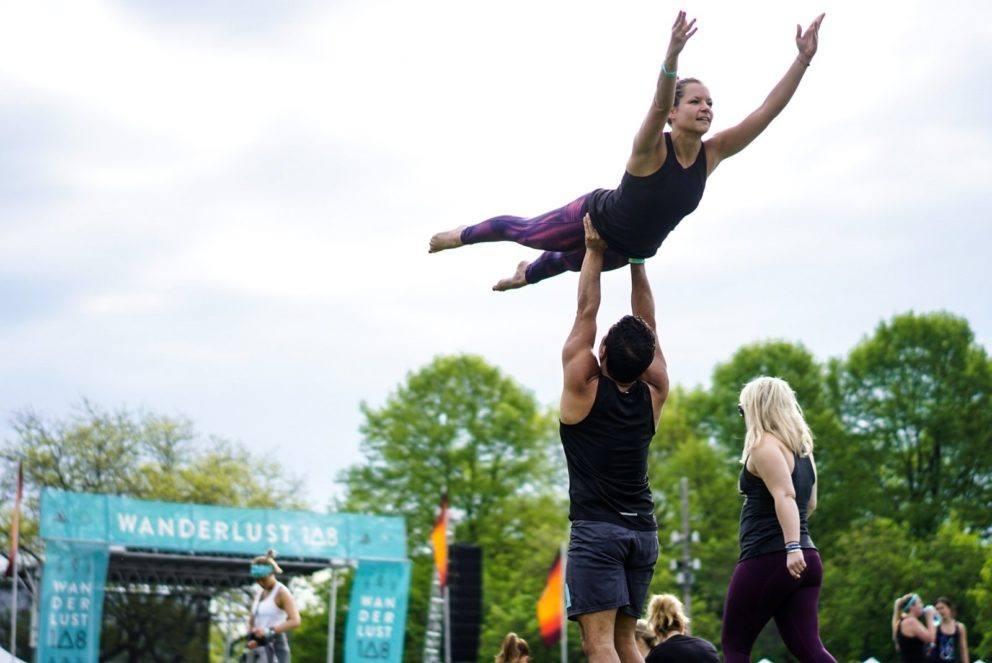 acro yoga in chicago 108