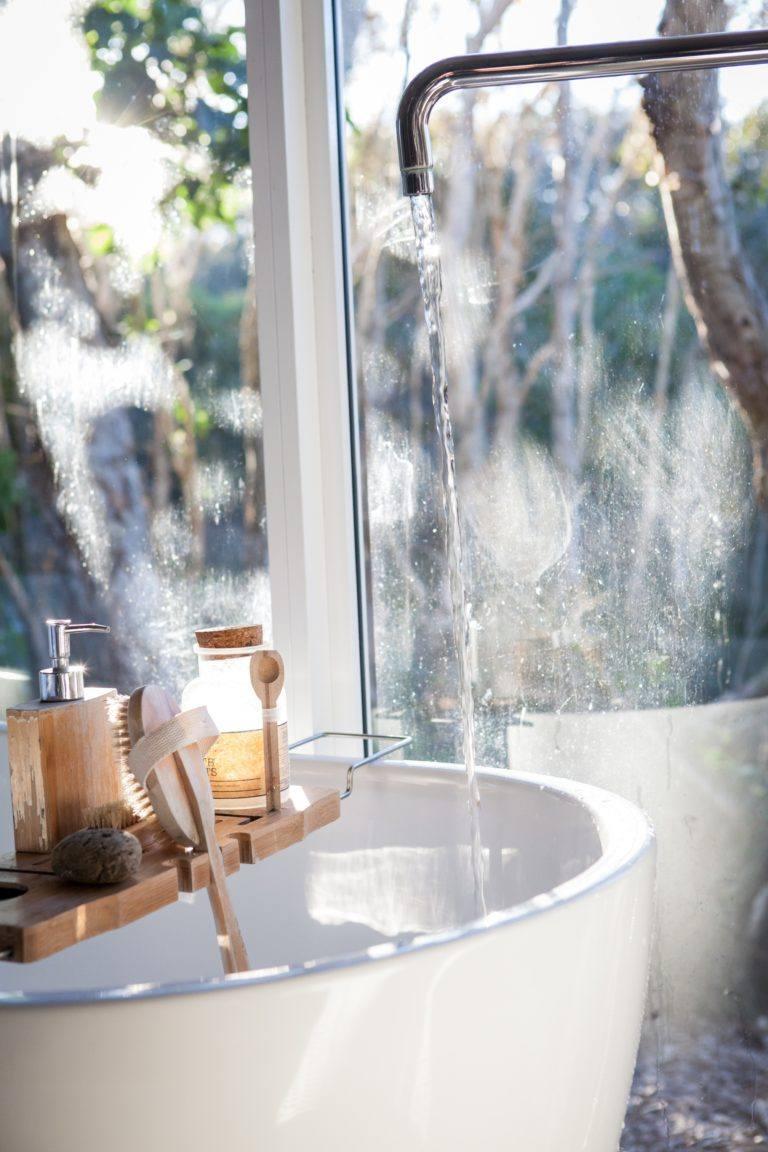 water running into refreshing bath
