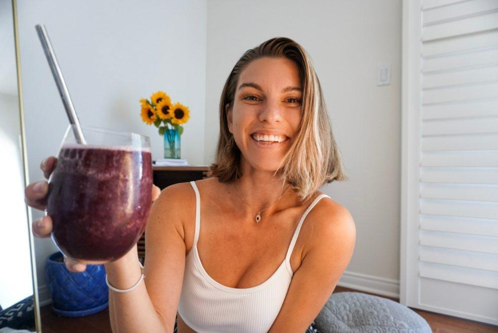 Ava Johanna with berry smoothie